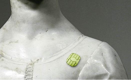 Statue microchippée